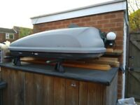 Halfords roofbox in good condition large capacity