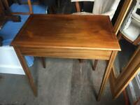 A VINTAGE/ANTIQUE MAHOGANY HALL/SIDE TABLE IN USED MAYBE UP-CYCLE CONDITION FREE LOCAL DELIVERY