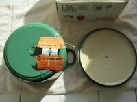 Le Creuset 3.4L round enamelled green cast iron French oven casserole dish Brand new .......