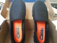 Skechers Go Walk 2 Mens Size 9 BRAND NEW boxed