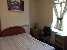 Single large room with double bed