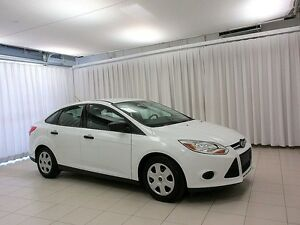 2014 Ford Focus LOW LOW KMs!! A/C, Power Windows & Locks. Keyles