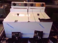 UNTOUCHED VERY BRAND NEW TWIN TANK ITALIANFRYER FOR COMMERCIAL AND CATERING USE RESTAURANT CAFE BAR