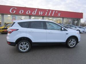 2017 Ford Escape SE! CLEAN CARPROOF! HEATED SEATS! BACKUP CAMERA