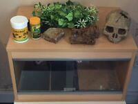 Geko reptile home small tank with accessories
