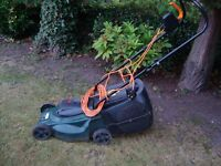 GARDEN LAWNMOWER WITH GRASS COLLECTION BOX CAN BE SEEN WORKING ONLY £15
