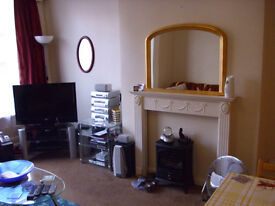 Roundhay Streetlane 1 bedroom Spacious flat double glazed Central heated