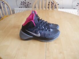 MENS NIKE HIGHTOPS SIZE 10 ,WORN ONCE