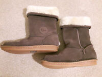Girls Clarks Boots NEW - size 2