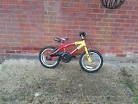 "Boys ""Razzel"" Bike suitable for 5 to 7 year old"