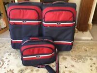 2 Portland Suitcases and matching Travel Bag