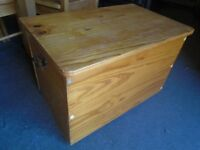 Pine storage trunk, box