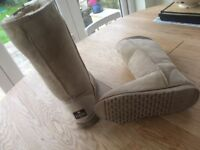Genuine UGG Womens Classic Tall Sheepskin Boots Size 6 Great Condition