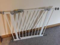 Hauck pressure fit stair gate