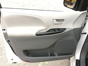 2014 Toyota Sienna LE 8 Pass V6 6A London Ontario image 19