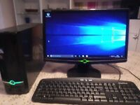 HOME DESKTOP COMPUTER WITH SCREEN MOUSE KEYBOARD AND CPU INTERNET READY
