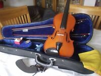 Full size Andreas Zeller Violin. 20 years old, with 2 bows, and case.