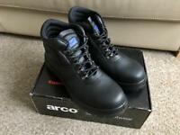 BRAND NEW IN BOX Arco Safety Chukka Boots Size 10 COLLECT LEEDS