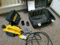DEWALT DW680 82MM PLANER 110v plus new pack of blades