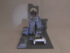 Doctor Who Lego-style Weeping Angel Attack