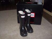 Kids Hunter wellie boots size 11. wellies vgc