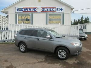 2014 Mitsubishi Outlander ES AWD!! HTD SEATS!! LOW KMS!!