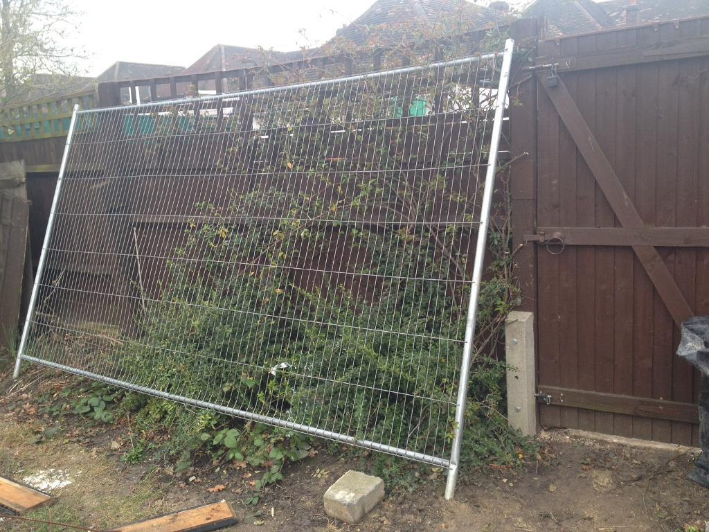 1 temporary metal fence panel in orpington london gumtree 1 temporary metal fence panel baanklon Image collections