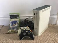 Xbox 360 256MB White Console, 2 controllers & 2 games