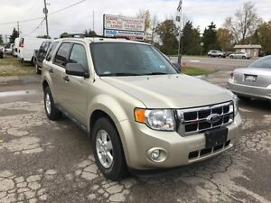 2010 Ford Escape XLT **LEATHER** ONLY 66KM***AWD**