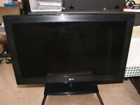 LG 32 inch LCD TV (32CS460) - Great condition