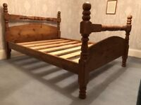 Beautiful king size bed - antique pine