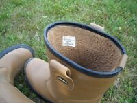 RIGGER BOOTS STEEL TOE CAP SIZE 11 AS NEW CONDITION