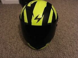 ** Scorpion EXO Neon crash helmet**