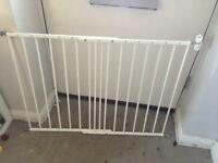 Baby dan wall fix stair gate