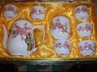 A CHINESE PRESENTATION TEA SET , MADE IN JINGDEZHEN IN 2001
