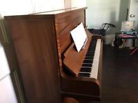 Luetner piano