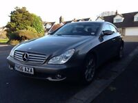 2006 [56] MERCEDES-BENZ CLS 320 CDI V6 - FULLY LOADED - COMMAND NAV - HEATED LEATHER - DIG CLIMATE