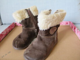 Clarks girls boots size 5f