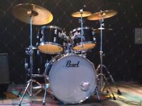 Rock'n'Roll Drummer Available