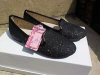 New girls shoes size 1