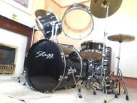 5-pc drum kit with Sabian cymbals & dbl bass pedal