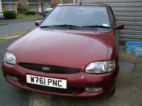 Ford Escort, 1.6 petrol, W reg (2000), MOT Aug 2017