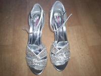 ladies silver wedding shoes