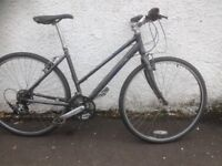 Pinnacle Stratus 1.0 E. Women's hybrid bike. Fully serviced, fully safe and ready to go.