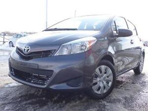 2014 Toyota Yaris Petite de l'extérieur, grande à l'intérieur!