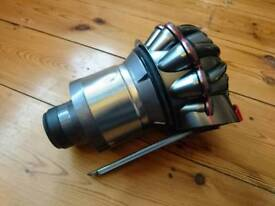 Dyson V8 cyclone assembly in near perfect condition