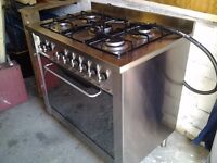 Indesit dual fuel range cooker freestanding,