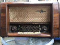 Loewe Opta valve radio