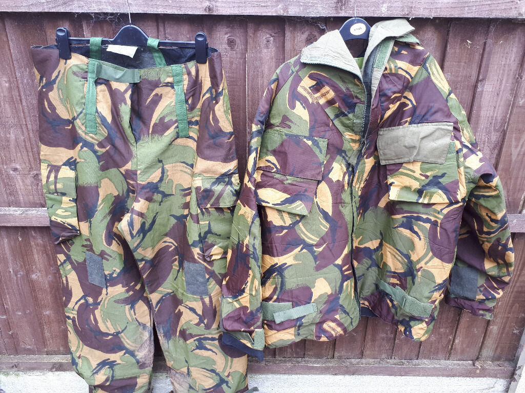 482e5caa55b18 IDEAL HUNTING / FISHING EX ARMY COMBAT JACKETS + OTHER CLOTHING