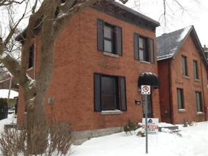 8 Lewis St - Single Family Home House for Rent